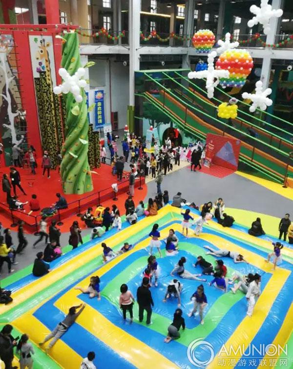 乐园采用欧式建筑,从奥地利引进室内滑梯蹦床等儿童