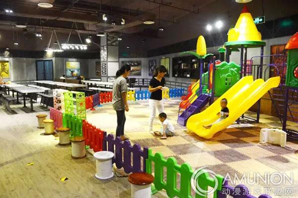 聚焦:孩子在室内儿童乐园玩耍受伤,该谁负责?